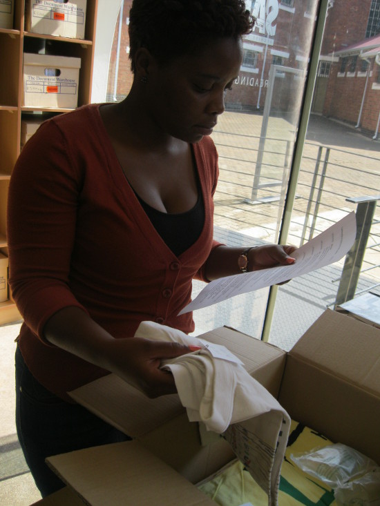 Unpacking the donation of t-shirts and textiles from IISH, January 2015
