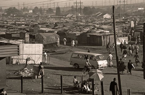 Photograph of Plastic View, Tembisa, May 1990, taken by Gille de Vlieg.
